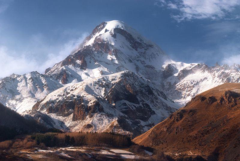Kazbek - 5,047 m.photo preview