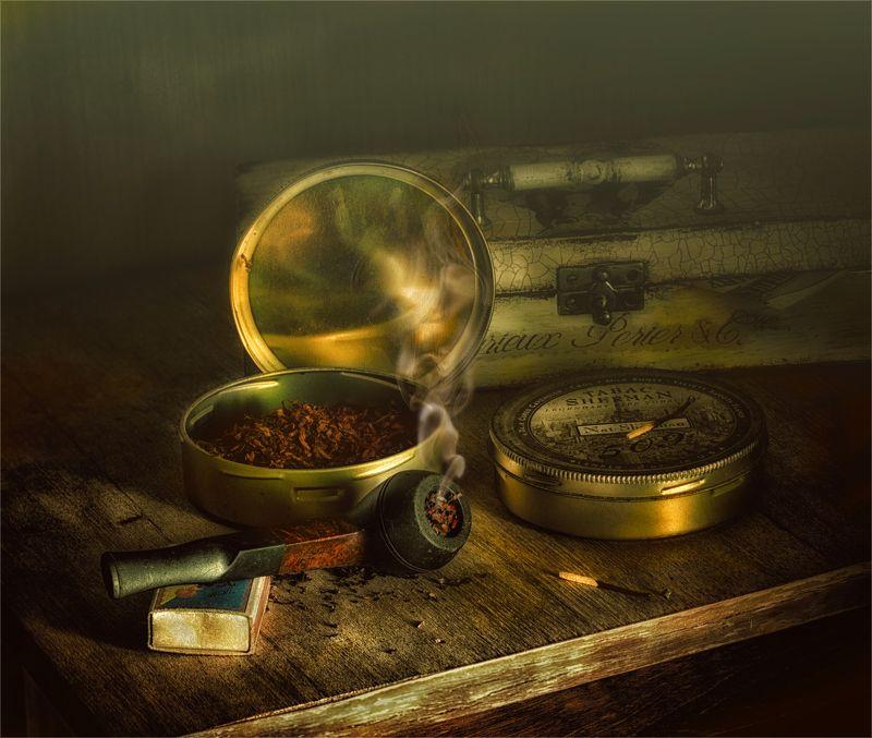 still life, натюрморт, винтаж, ретро, табак, курительная трубка, дым, книги, шкатулка, спички минздрав предупреждает...photo preview