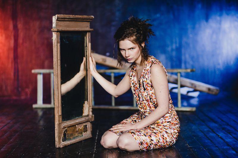 портрет, отражение, знаменитости, девушка, зеркало Мария Баеваphoto preview