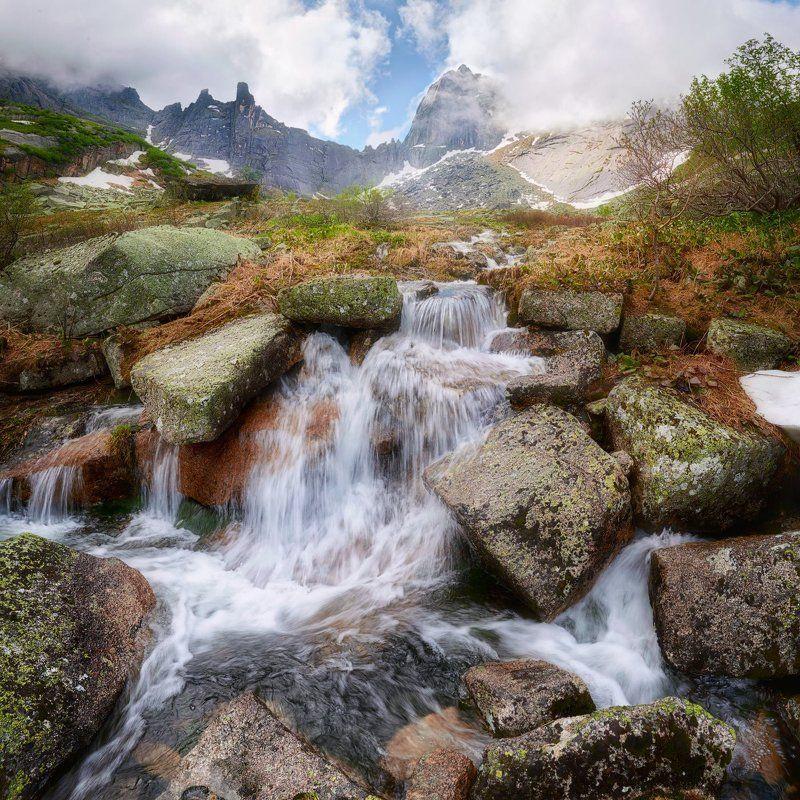 красноярский край, западные саяны, национальный парк  ергаки, озеро горных духов, озеро, перевал птица, водопад, покой, природа, ручей. \