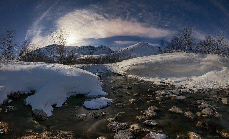 пейзаж,весна,россия,луна,небо,звезды,перспектива,панорама,деревья,хибины,река Весенний Вудъяврйокphoto preview