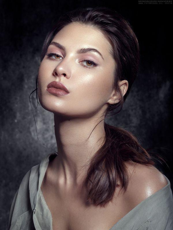 woman,portrait,beauty,beautiful,soft,love,fashion,eyes,mindaugas navickas,fotomindo.eu Lauraphoto preview
