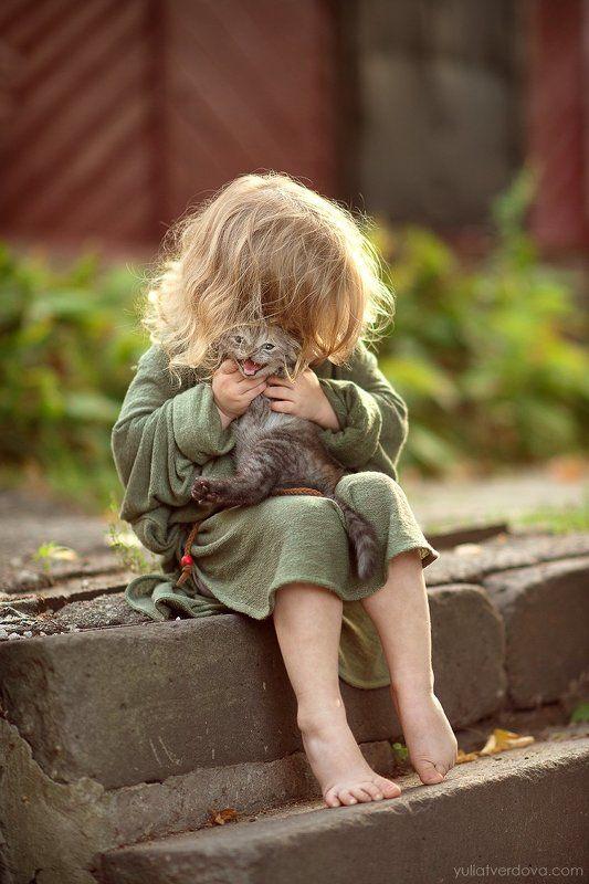 Девочка котёнок  photo preview