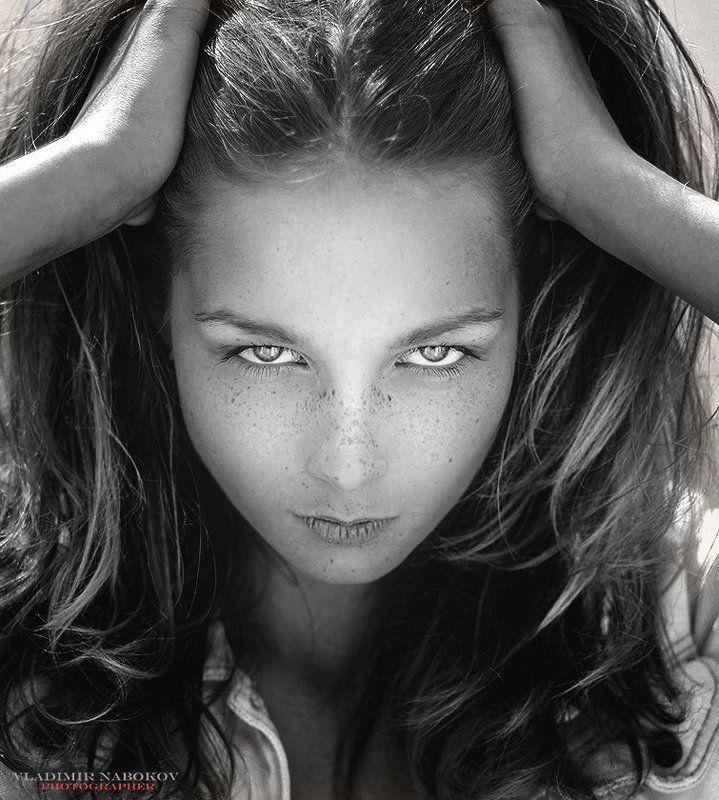 портрет девушка глаза взгляд без мейка Взгляд photo preview