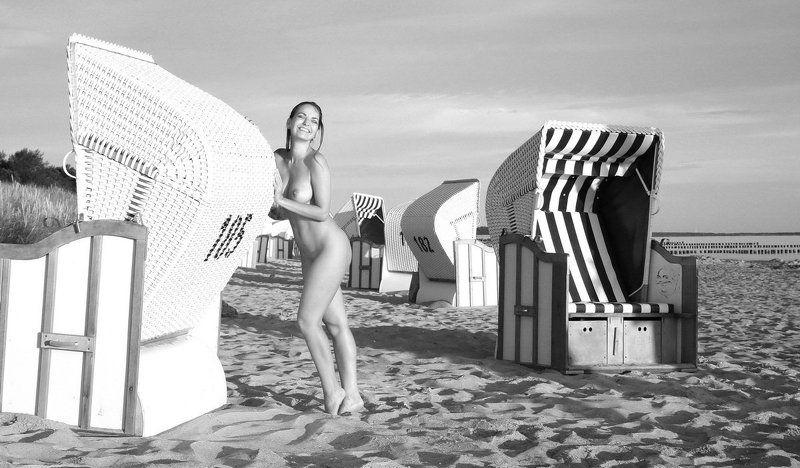 sea, beach, nude, girl, artnude, art, nature Strandkorbschiebenphoto preview
