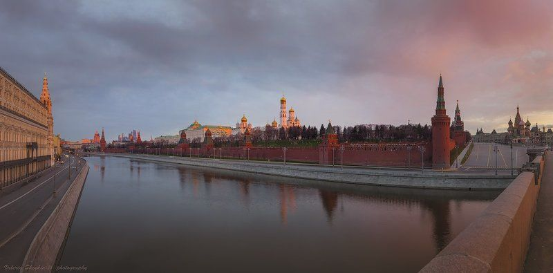 Утро красит нежным светом Стены древнего Кремля...photo preview