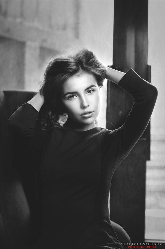 портрет девушка фотограф Портрет девушкиphoto preview