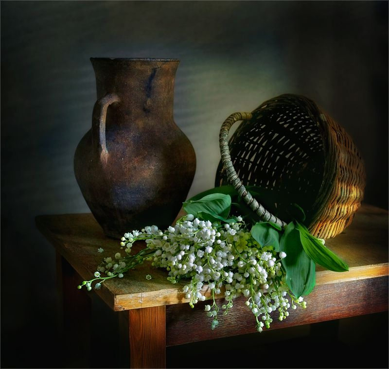 still life, натюрморт, ландыши, природа, цветы, кувшин, плетеная корзина, винтаж, ретро, весна натюрморт с ландышамиphoto preview