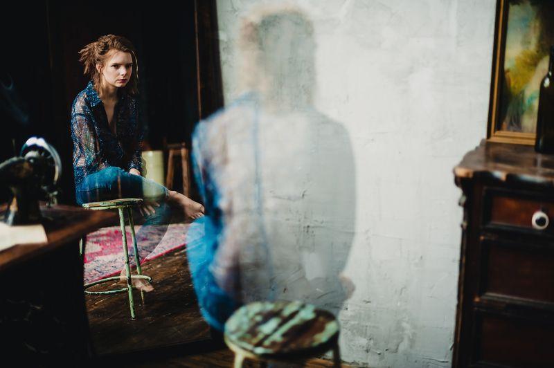портрет, зеркало, отражение Марияphoto preview