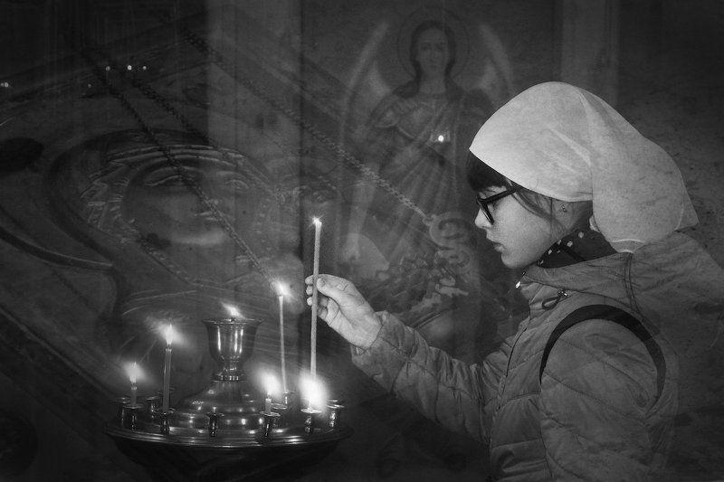 В храме на Пасхуphoto preview