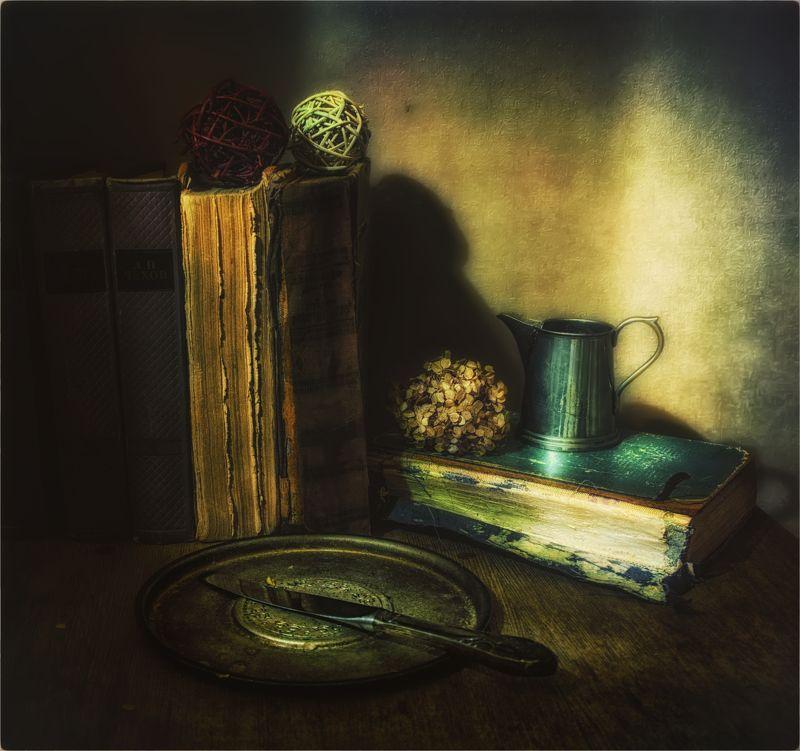 still life, натюрморт,  книги, винтаж, ретро, нож, клубки, молочник, посуда натюрморт с  книгамиphoto preview