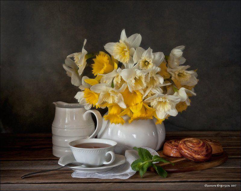 нарциссы, весна, мята, чай, булочки, зелёный, жёлтый, белый, натюрморт Чай с ожиданием весны, которая где-то загулялаphoto preview