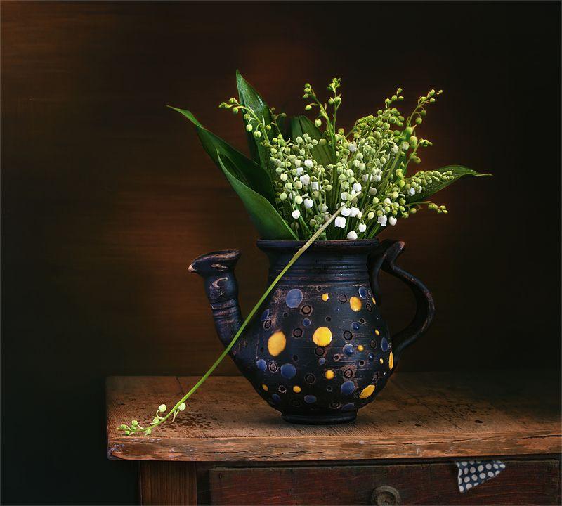 still life, натюрморт,  цветы, природа, ландыши, весна, винтаж, минимализм, чайник натюрморт с ландышамиphoto preview
