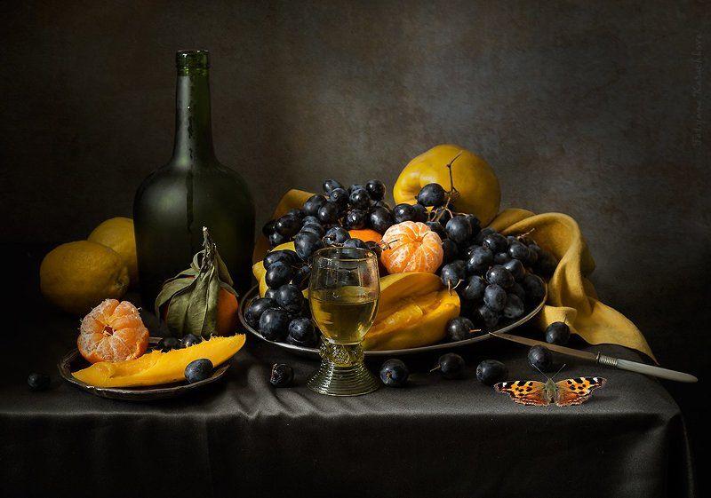 манго, черный виноград, вино, мандарины От печали бальзам...photo preview