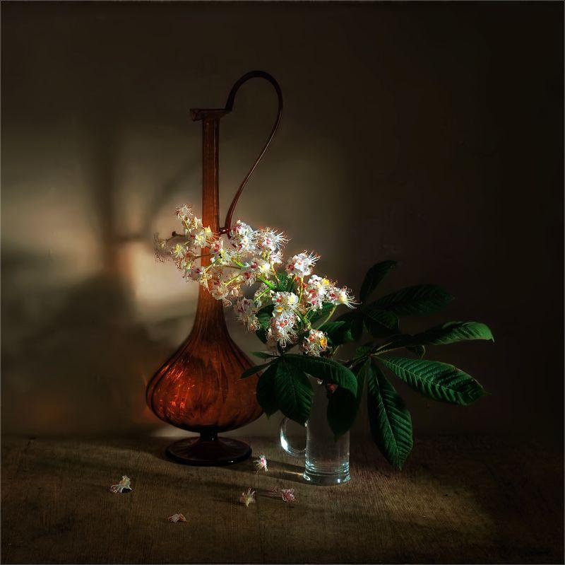 still life, натюрморт,  цветы, природа, весна,  винтаж, цветы каштана, кувшин, ветка, листья, натюрморт с веткой каштанаphoto preview