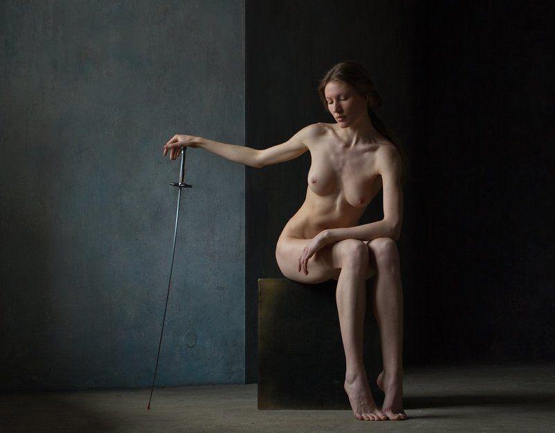 fine art nudes Этюд со шпагой.photo preview