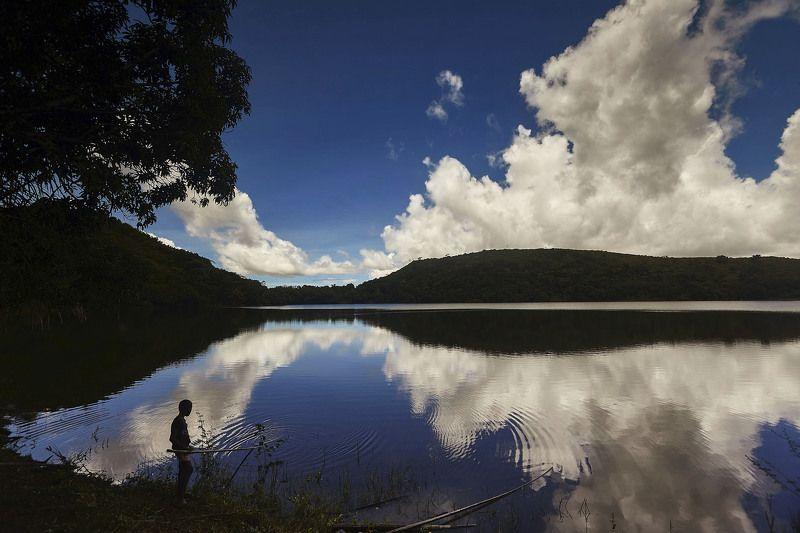 Спокойствие….Высокогорное озеро Lac Bemapaza, остров  Nosy-Be, Мадагаскарphoto preview