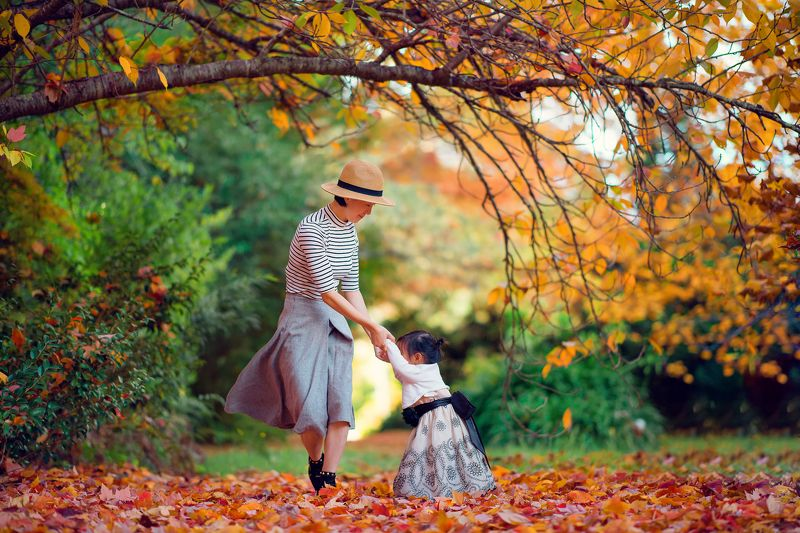 autumn, leaves, yellow, red, fall, kid, mother, dancing, together, childhood, colour, girl, celine dancing with colourphoto preview
