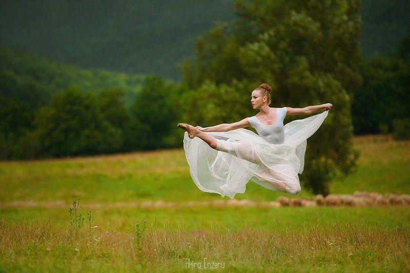 ballerina, ballet, dance, dancing, portrait, street, Балерина в деревне IIphoto preview
