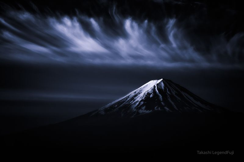 fuji,mountain,japan,snow,clouds,sky,amazing,beautiful,wonderful,peak, Cirrus cloud and crown snow (Blue ink version2)photo preview