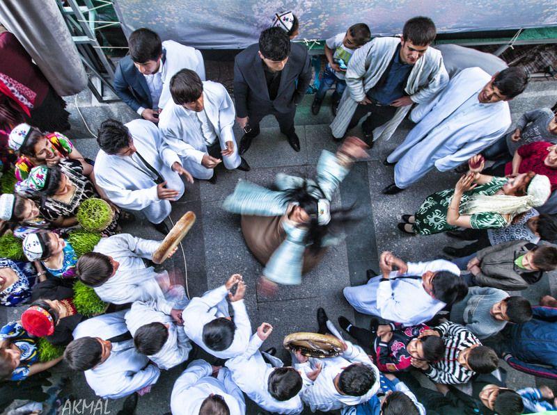 Таджикский танец. Душанбе. Таджикистанphoto preview