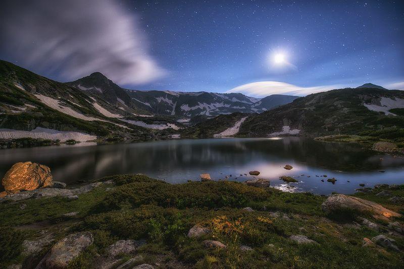 Звезды и крокусы в Болгарииphoto preview