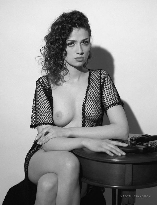 art, beauty, nude, print, portrait, vadym timashov, black and white, film, gun, model *****photo preview