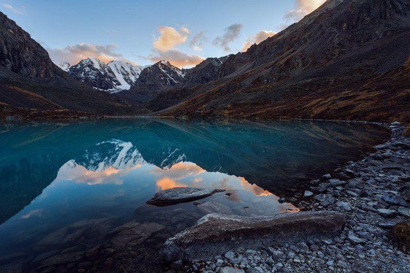 алтай,озеро,осень,золотая,горы,лиственница,вода Озеро Каракабак. Алтай.photo preview