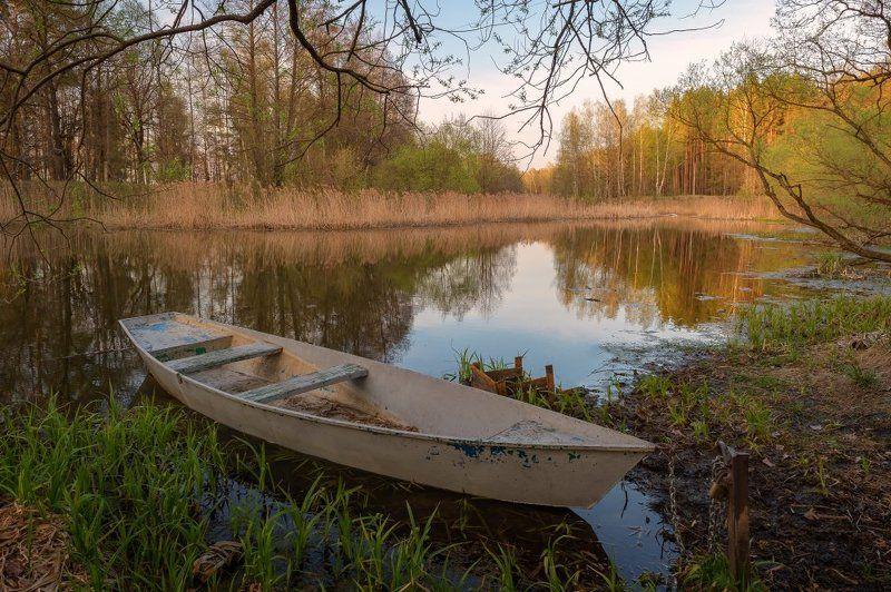 пейзаж,природа,лодка,умиротворение,лес,отражение,красота,апрель,весна,отражение Про лодочку...photo preview