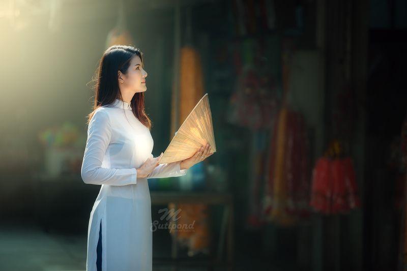 vietnam,portrait,asia women, Ao Dai Vietnamese photo preview