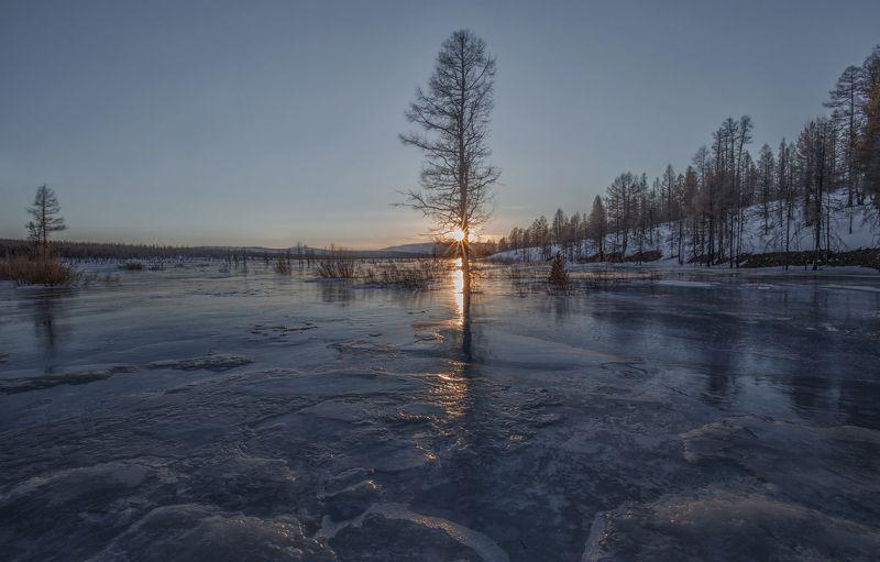 якутия, нерюнгри, весна, апрель, река, река верхние нерюнгри Ледяной апрельphoto preview