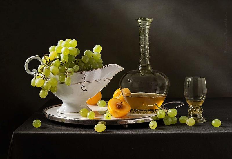 зеленый виноград, желтые сливы Зеленый виноградphoto preview