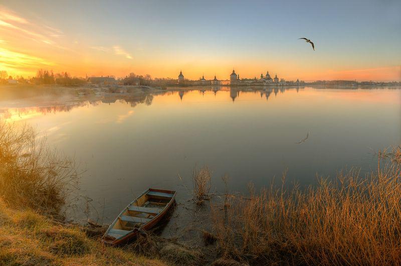кирилло-белозерский монастырь Кирилло-Белозерский монастырь. Майское утро...photo preview