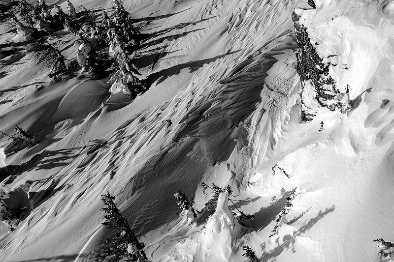 урал,зима,таганай,белый,горы,снег,солнце,черно-белое Снежное руслоphoto preview