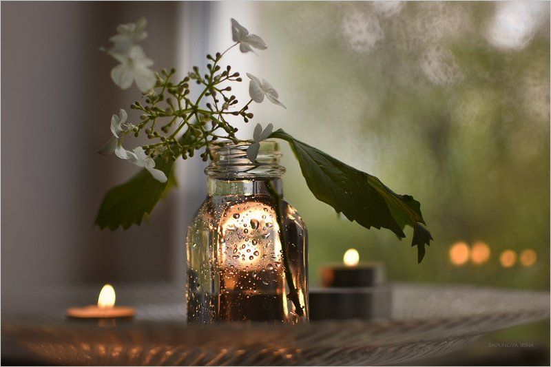 Рисуют свечи на стекле..photo preview