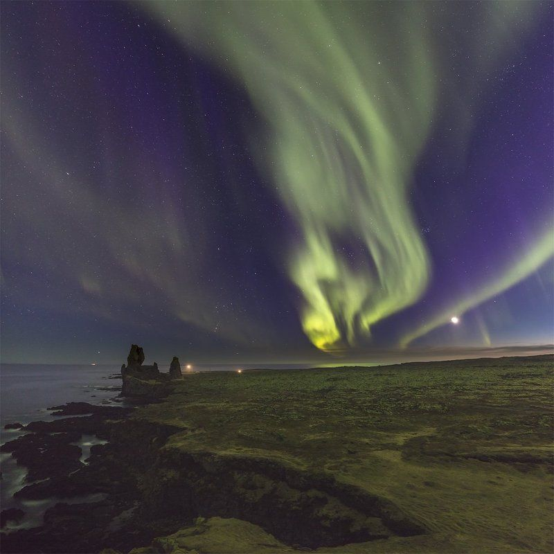 iceland landradar northern lights Green flame of Icelandphoto preview