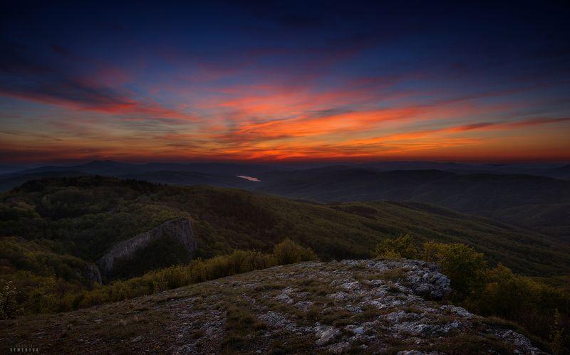 крым, горы, басман, кермен-кая, сумерки, загорское водохранилище, закатное. Сумерки на Басмане.photo preview