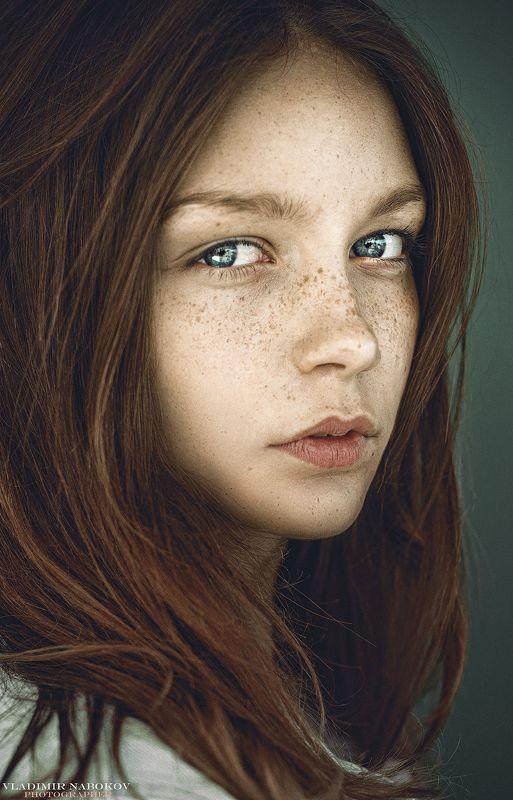 портрет, девушка, фотограф Крупный планphoto preview