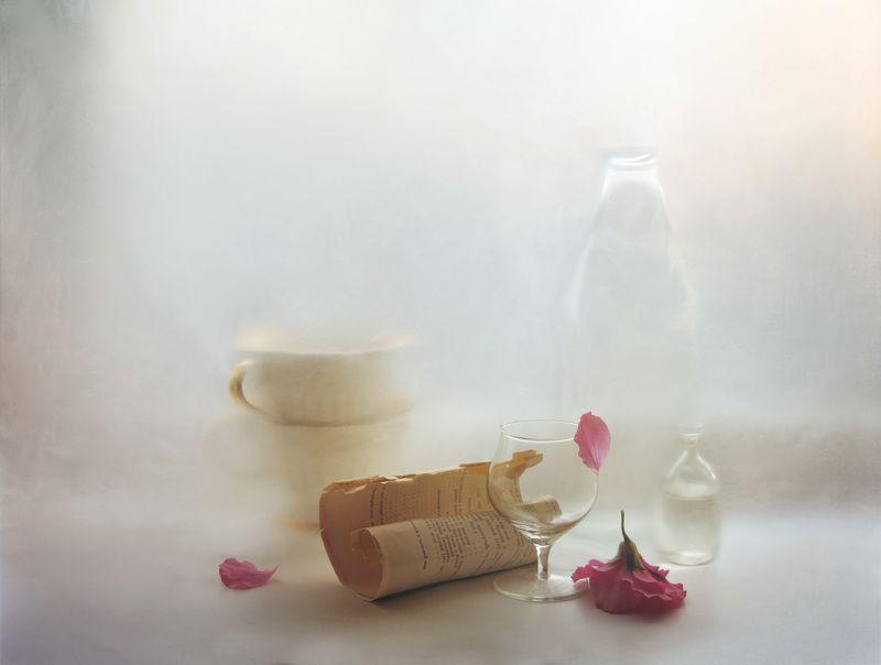 герань, цветок, бокал, лист, лепесток, бутылка, светлый, натюрморт, арт, дизайн, картина, интерьер с гераньюphoto preview
