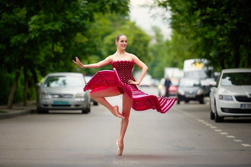 ballerina, dance, dancing, portrait, street, outdoor Развлечение в Понедельникеphoto preview