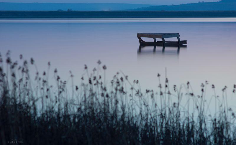 крым, озеро, длинная выдержка, скамейка, камыш, спокойствие, закат, настроение. Равновесие.photo preview