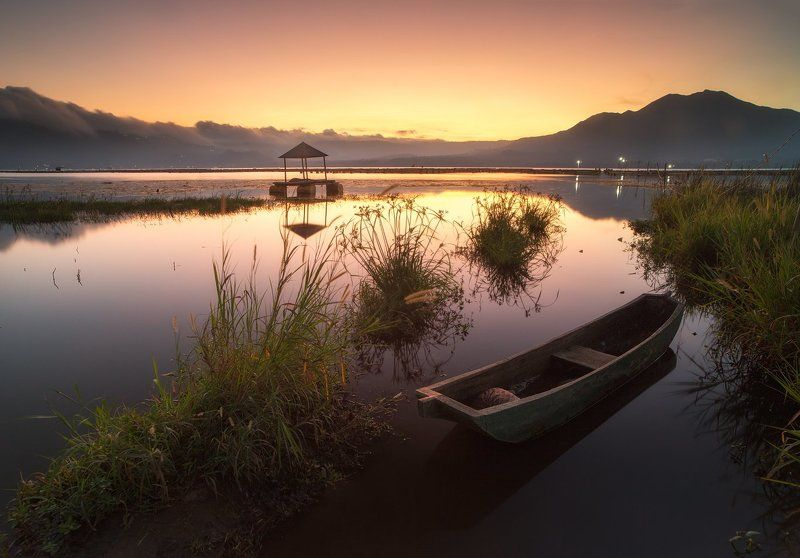 батур, индонезия, бали, закат, лодка, природа Вечер на озере Батурphoto preview