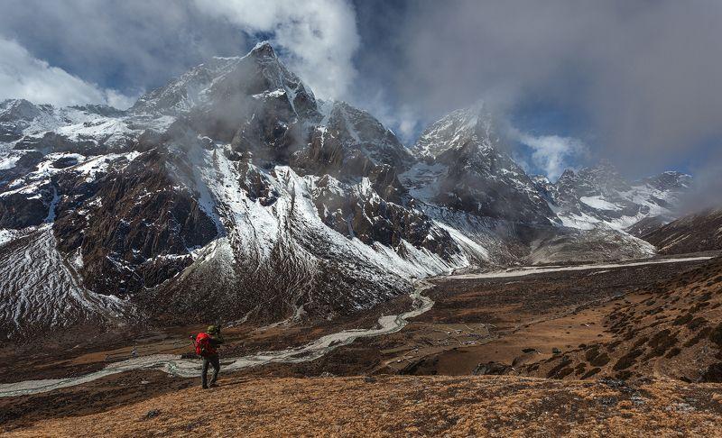 непал, эверест, гималаи, nepal, everest, himalayas Человек и горы.photo preview