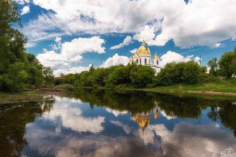 Моршанский Свято-Троицкий собор и река Цнаphoto preview