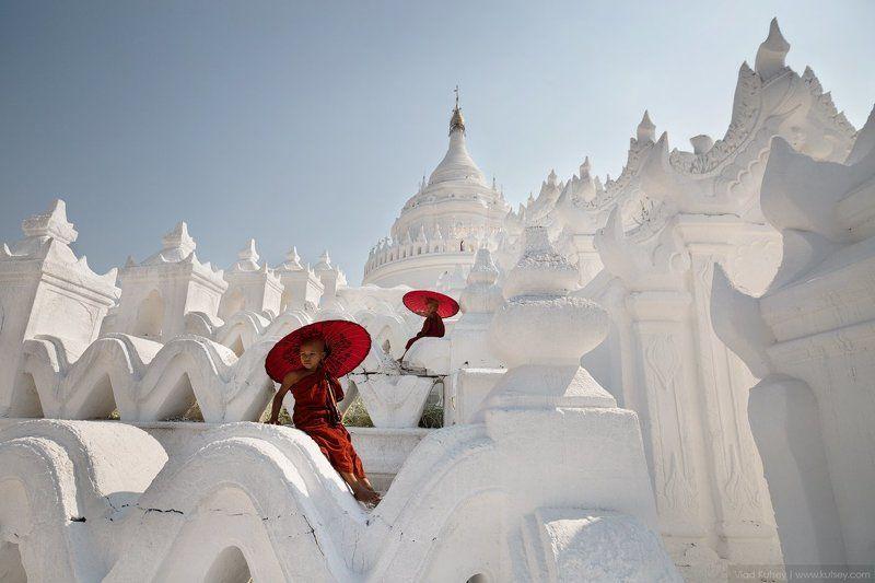 pagoda, Hsinbyume, myanmar, burma, mandalay, mingun, monks, whire_pagoda, temple, asia, бирма, мьянма, пагода, мингун, мандалай, монахи, буддизм, азия The Hsinbyume Pagodaphoto preview