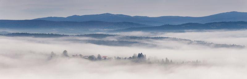 весна, горы, карпаты, май, туман, утро Пасмурное утро. Бескидские просторыphoto preview