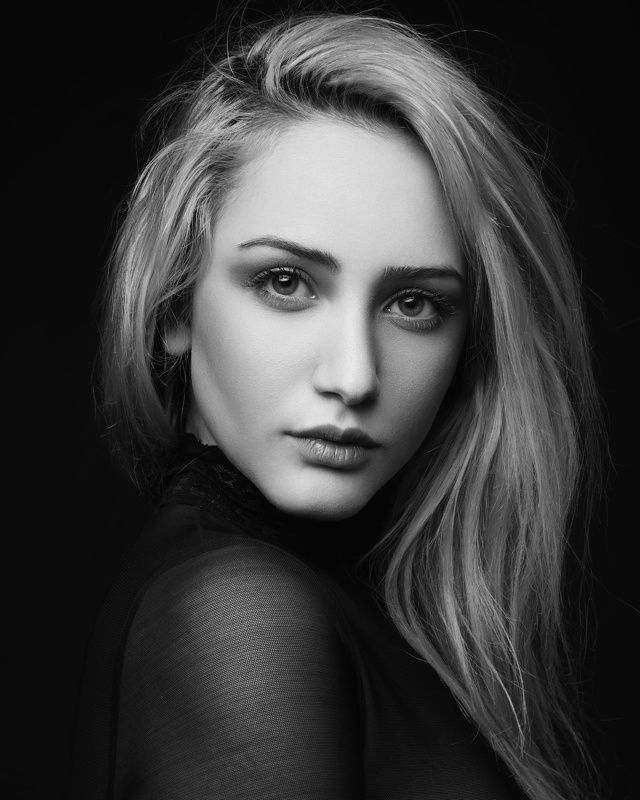 Portrait,girl,light,photo,Портрет, девушка, свет, фото Medisphoto preview