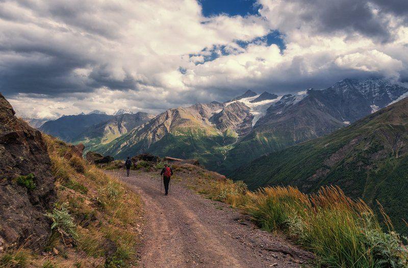 Вечер в горах Кавказаphoto preview