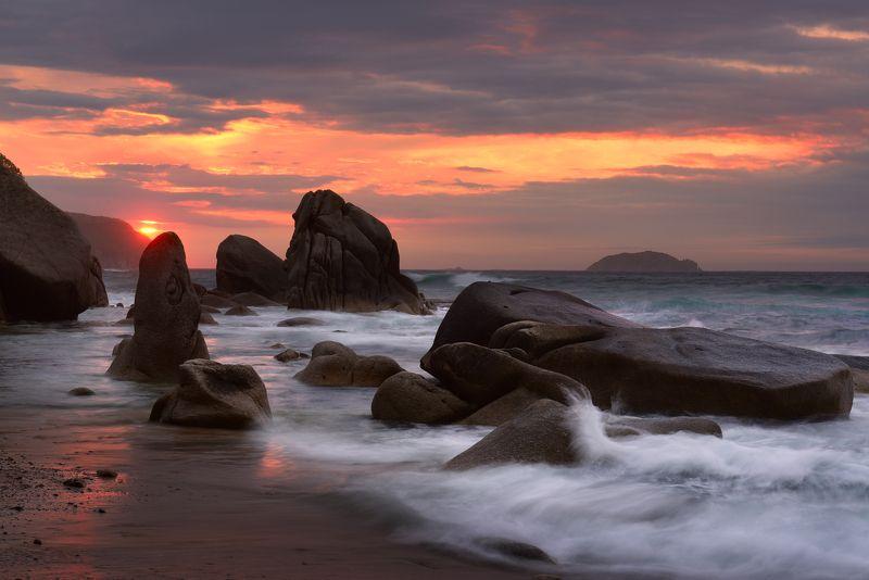 Рассвет у Японского моря...photo preview