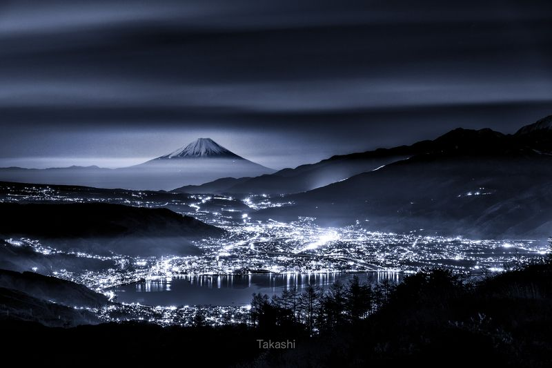 fuji,mountain,Japan,night,lights,clouds,lake,water, Night view over the lakephoto preview
